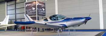 Airplane with retractable gear developed